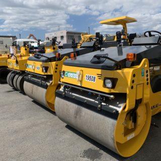 酒井CR(TW504・TW354)・マカダム(R2-4)・TR(TS160) 舗装機械 コンバインドローラーは2tと4t。